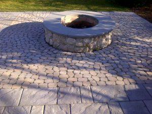 Fire Pit - Natural stone with bluestone cap